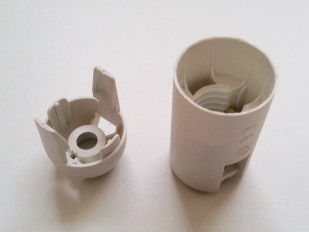 white 2 part E14 thermoplastic bulb-lamp holder plain skirt 10MM thread